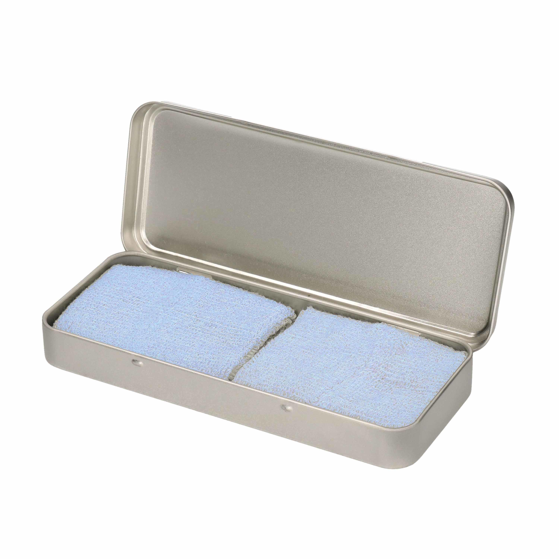 2x stuks lichtblauwe sport zweetbandjes in metalen opslag/bewaar doosje