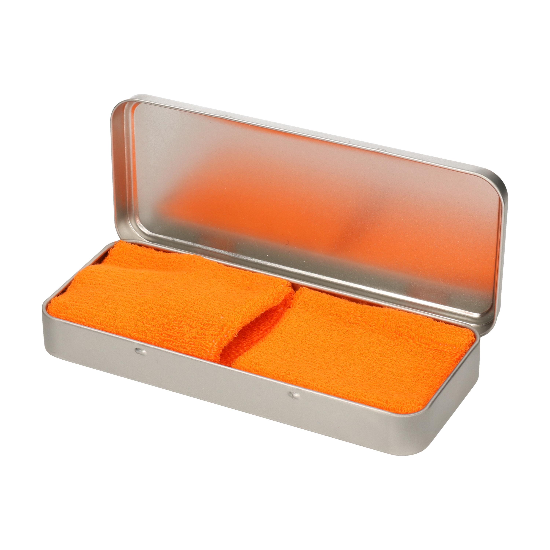 2x stuks oranje sport zweetbandjes in metalen opslag bewaar doosje